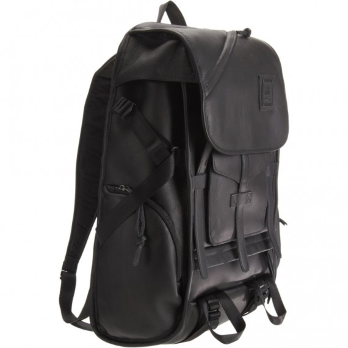 barneys-jansport-heritage-carbon-collection-thompkins-02