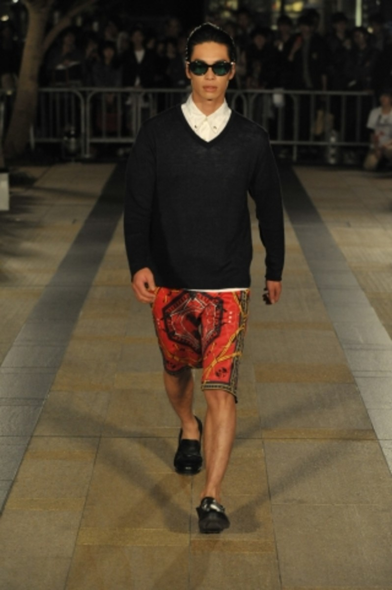 whiz-limited-spring-summer-2012-collection-runway-06