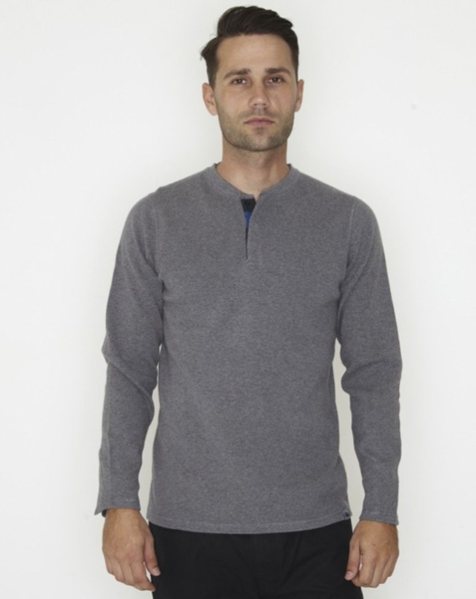 stussy-fall-2011-surplus-collection-three-way-henley-01
