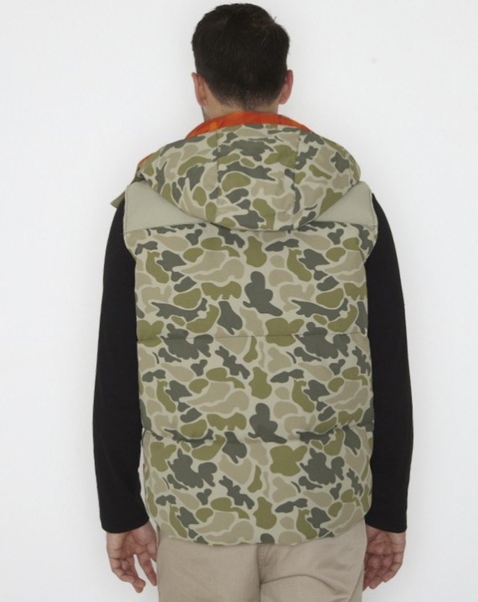 stussy-fall-2011-surplus-collection-scout-vest-06