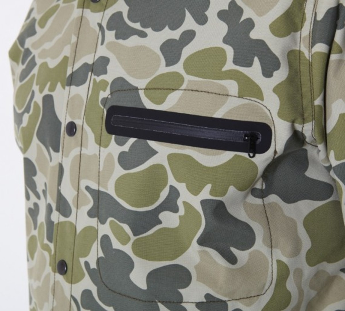 stussy-fall-2011-surplus-collection-zip-camo-shirt-07