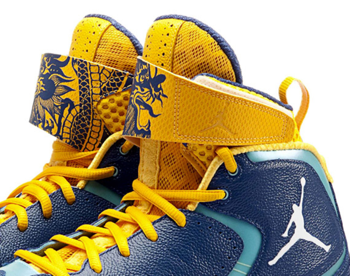 air-jordan-2012-year-of-the-dragon-00