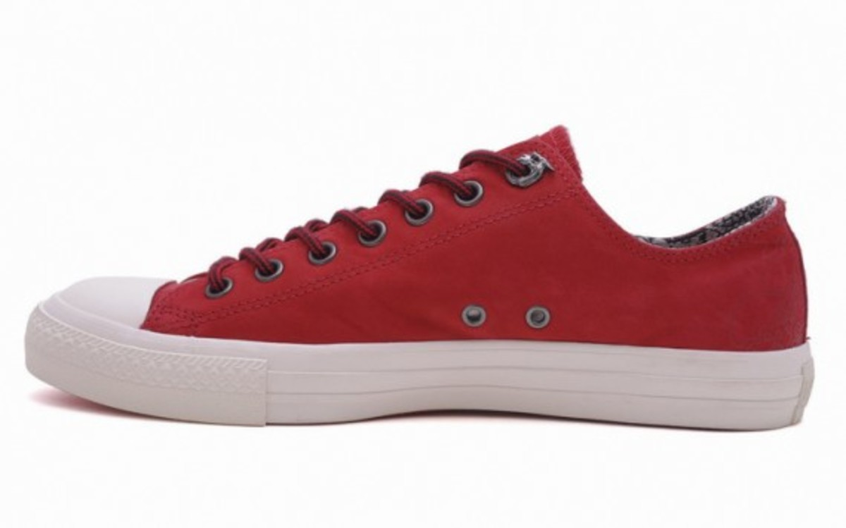 converse-chuck-taylor-all-star-leather-hi-ox-dragon-10