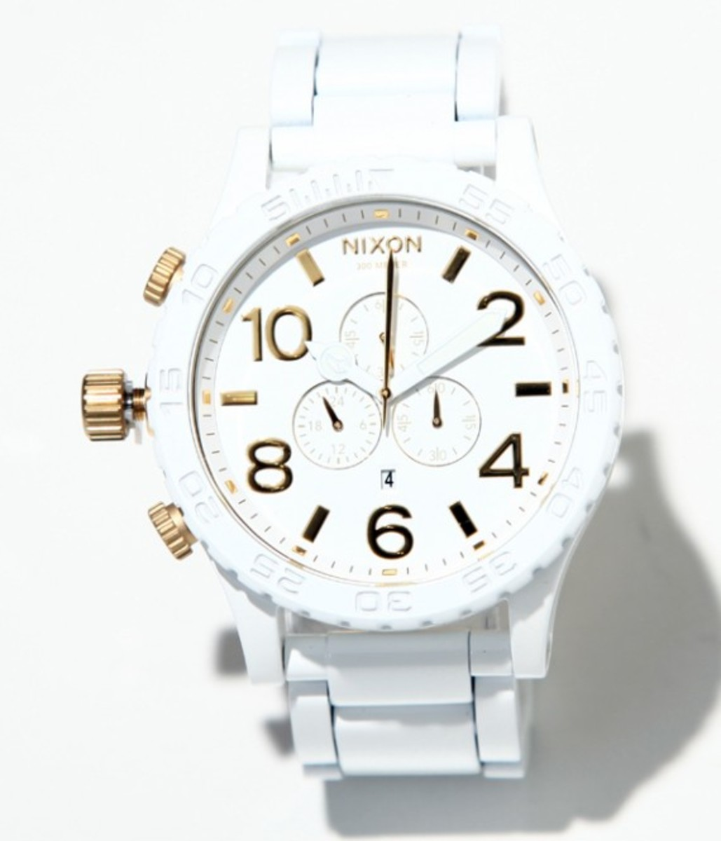 nixon-51-30-chrono-white-gold-02