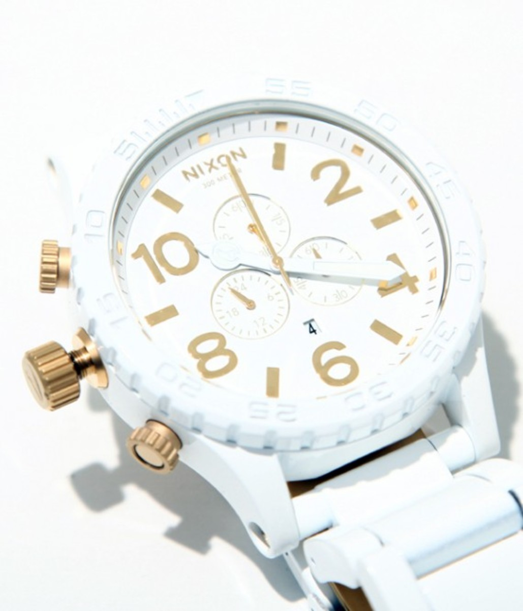 nixon-51-30-chrono-white-gold-03
