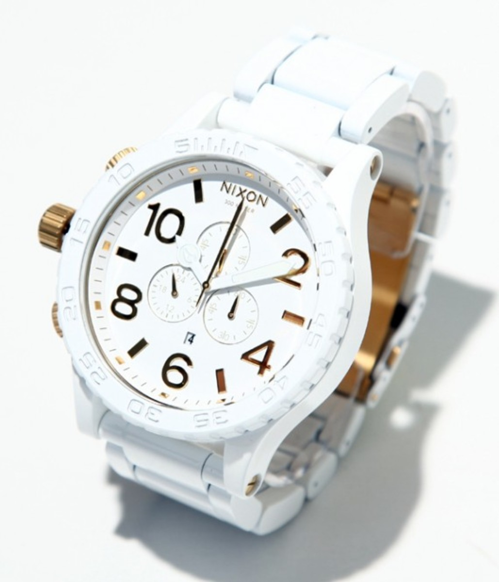 nixon-51-30-chrono-white-gold-01