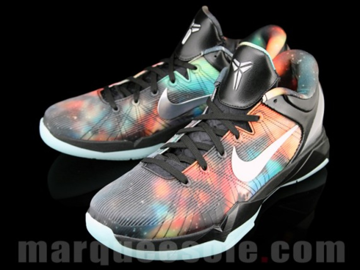 nike-zoom-kobe-vii-system-supreme-big-bang-02