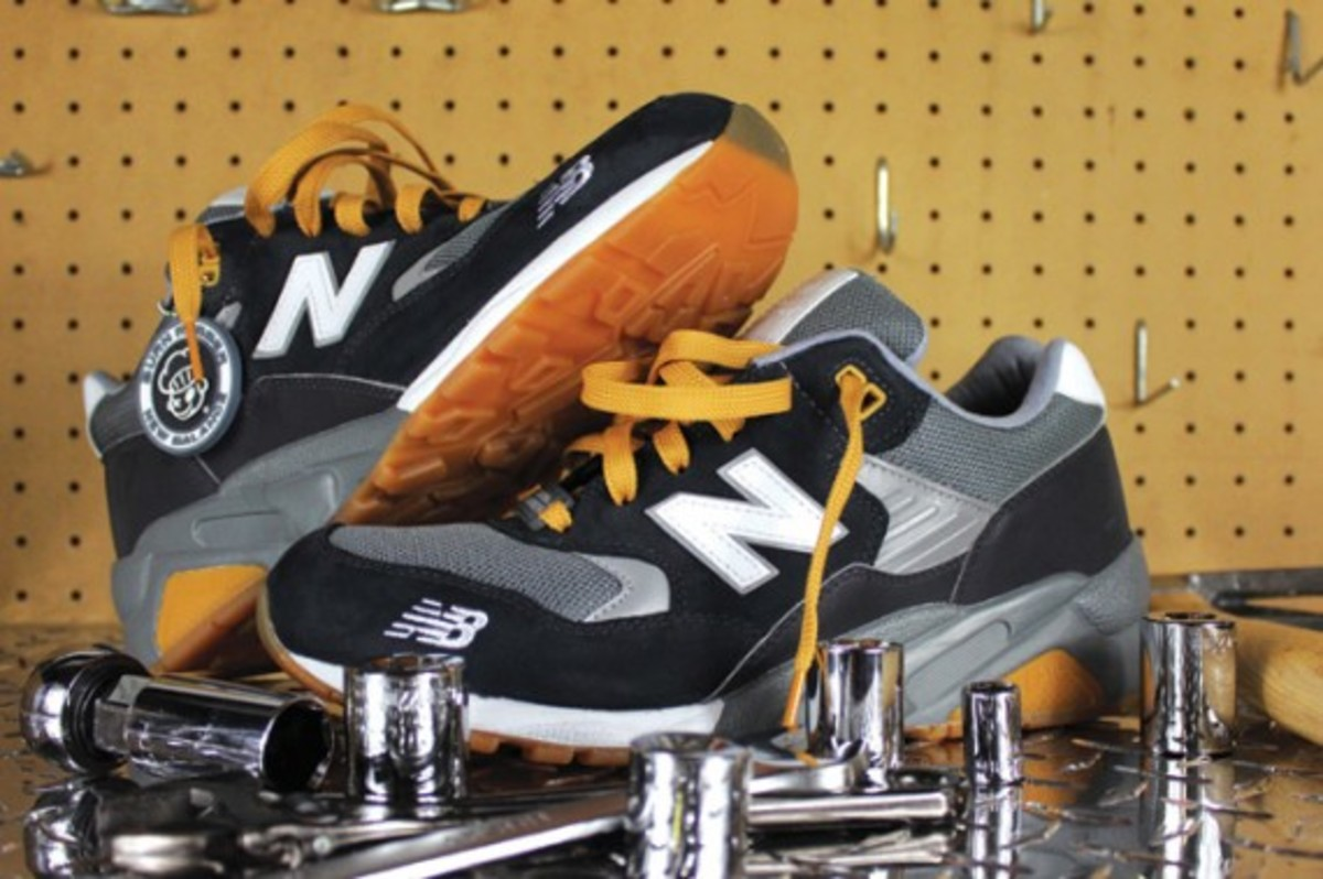 burn-rubber-new-balance-580-workforce-pack-02