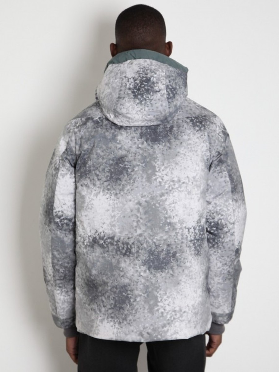 white-mountaineering-pertex-digital-camo-middle-down-jacket-03