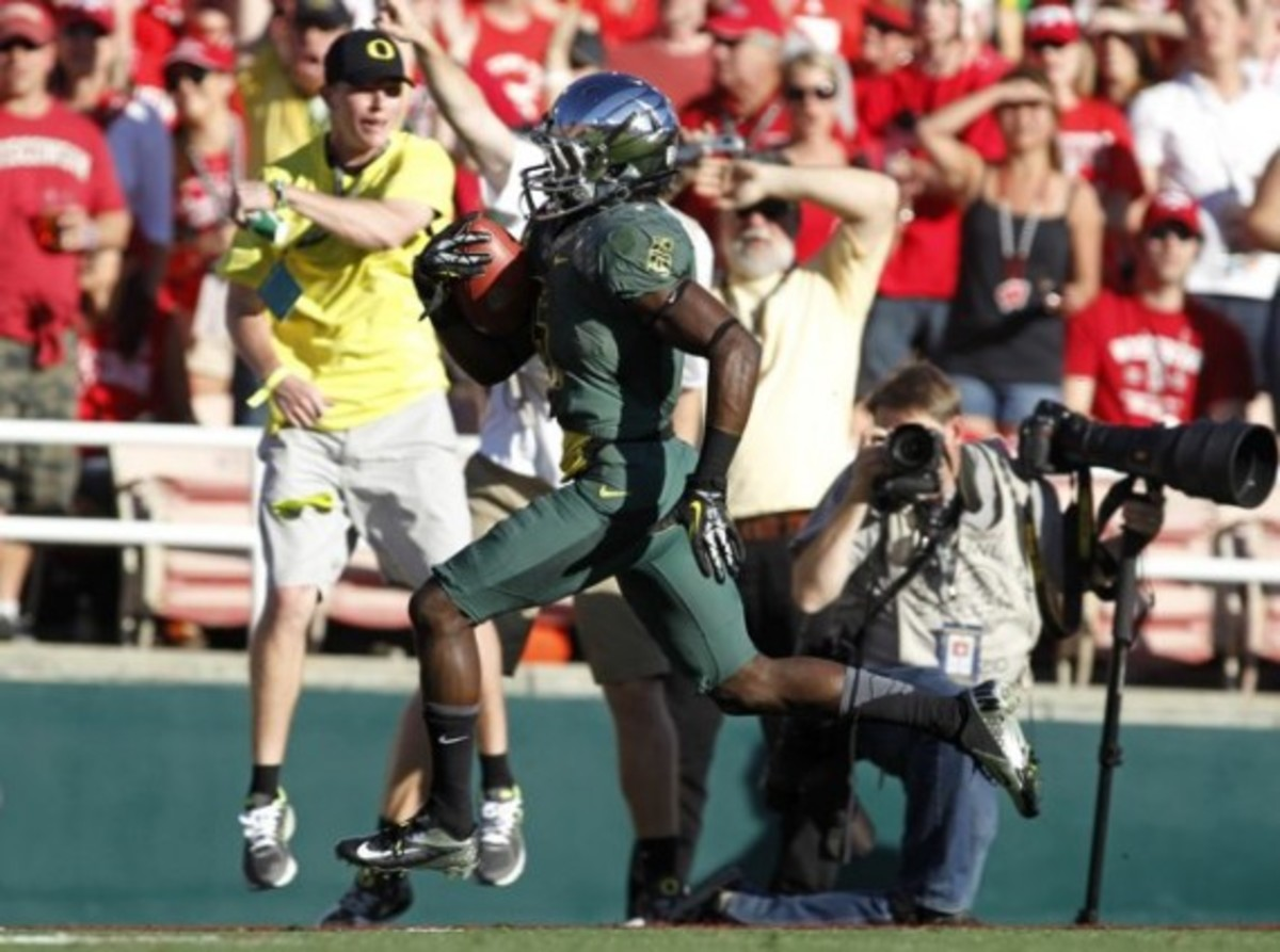 university-oregon-ducks-rose-bowl-03