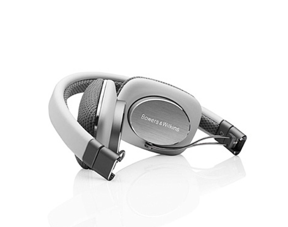 bowers-and-wilkins-p3-headphones-06