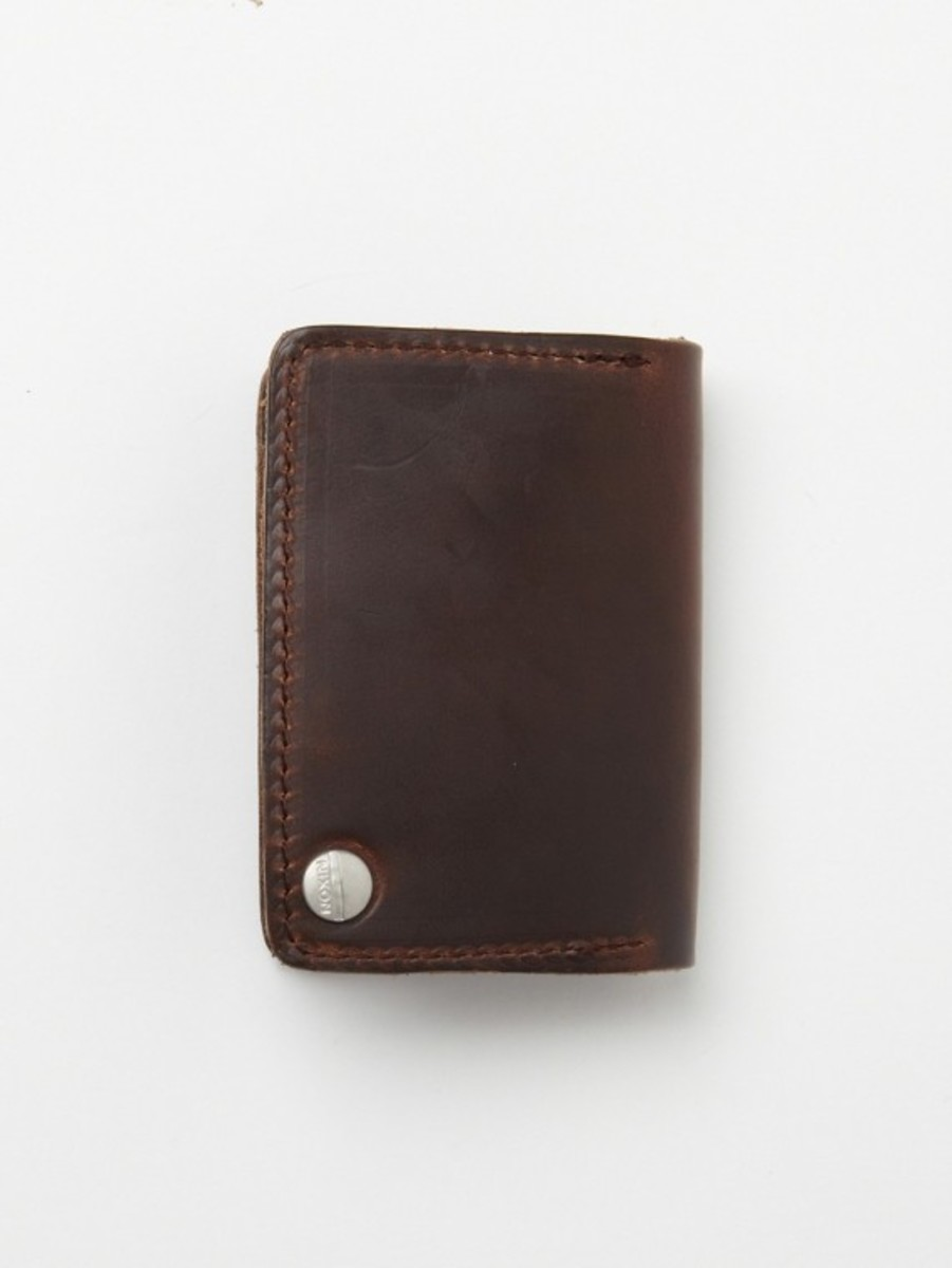 nixon-horween-leather-number-five-card-case-02