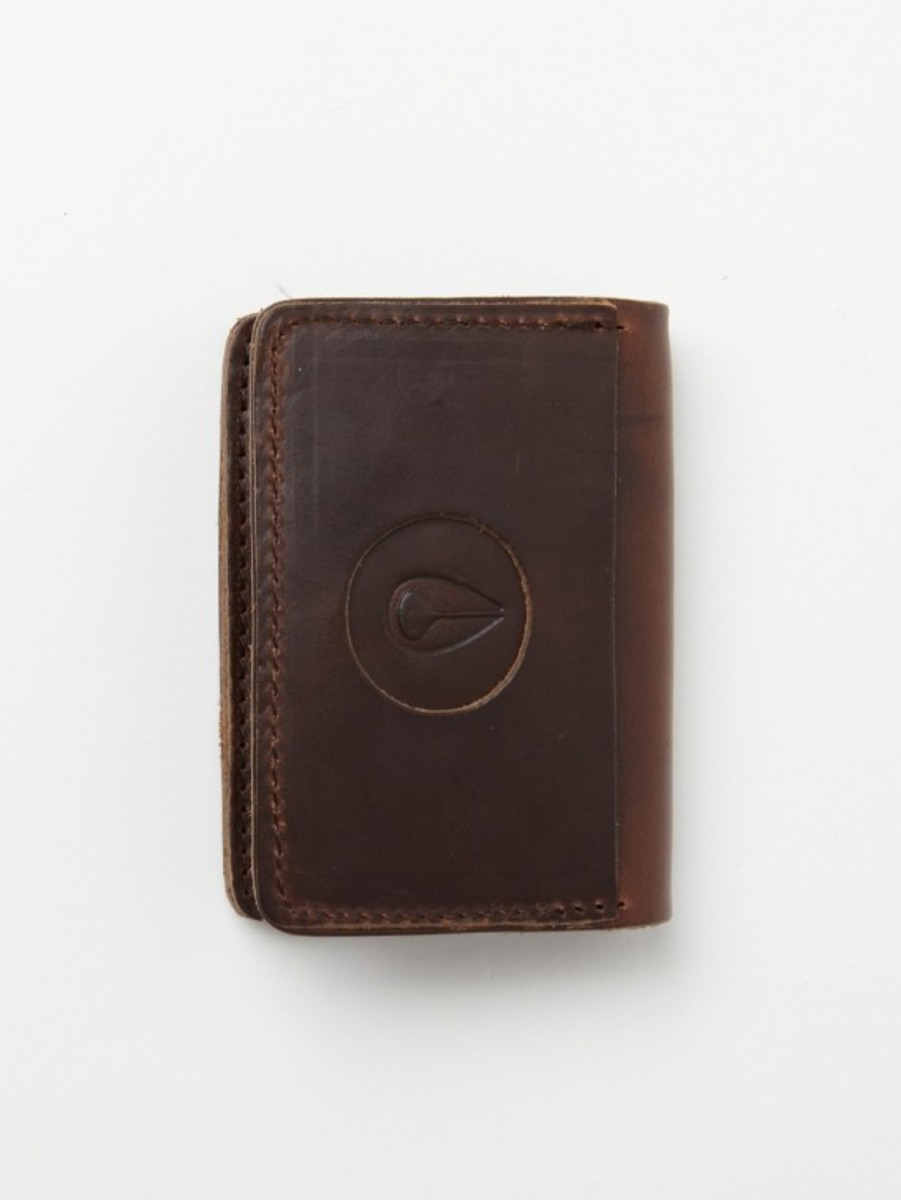 nixon-horween-leather-number-five-card-case-01