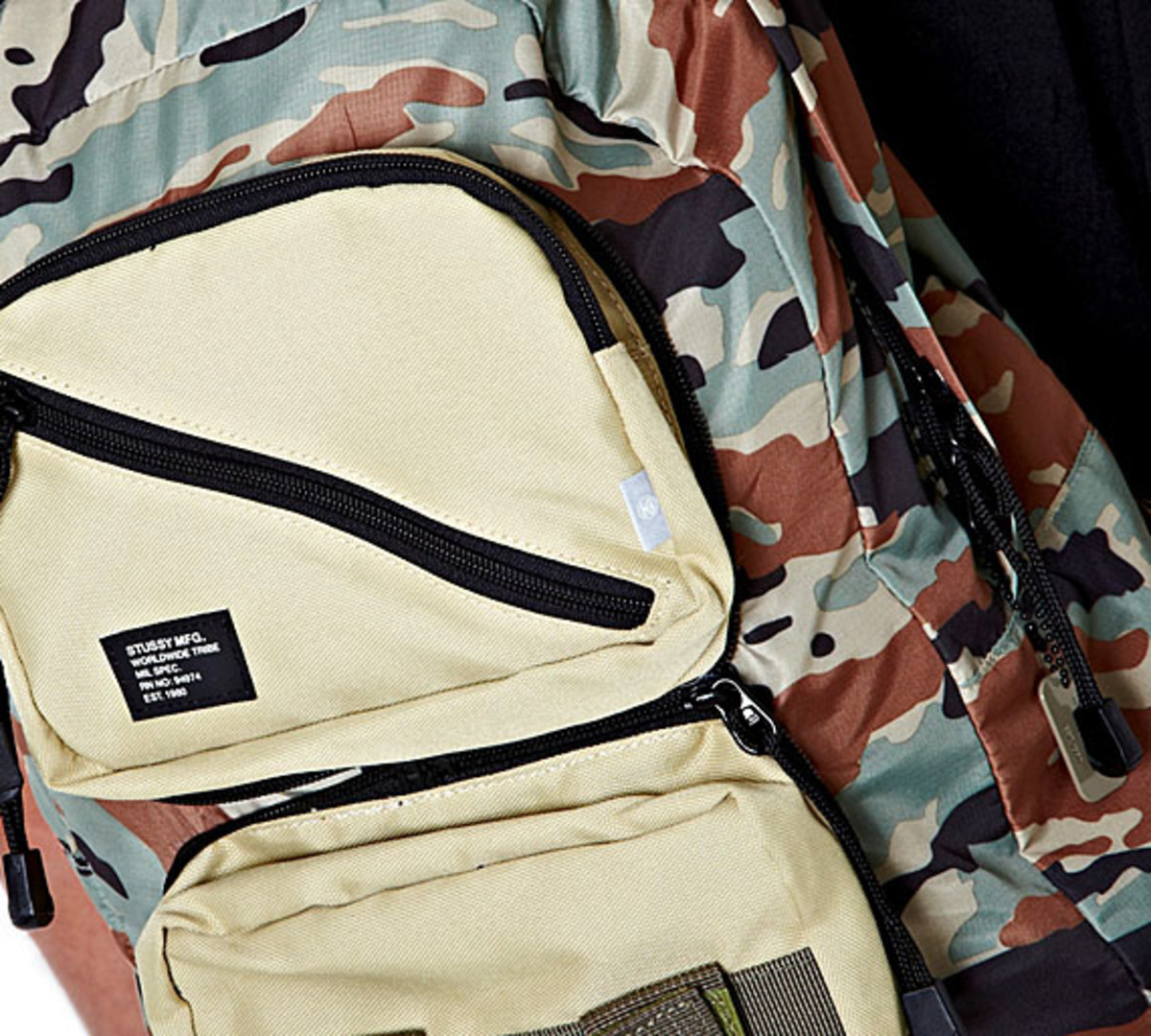 stussy-summer-camo-mil-spec-packable-backpack-03