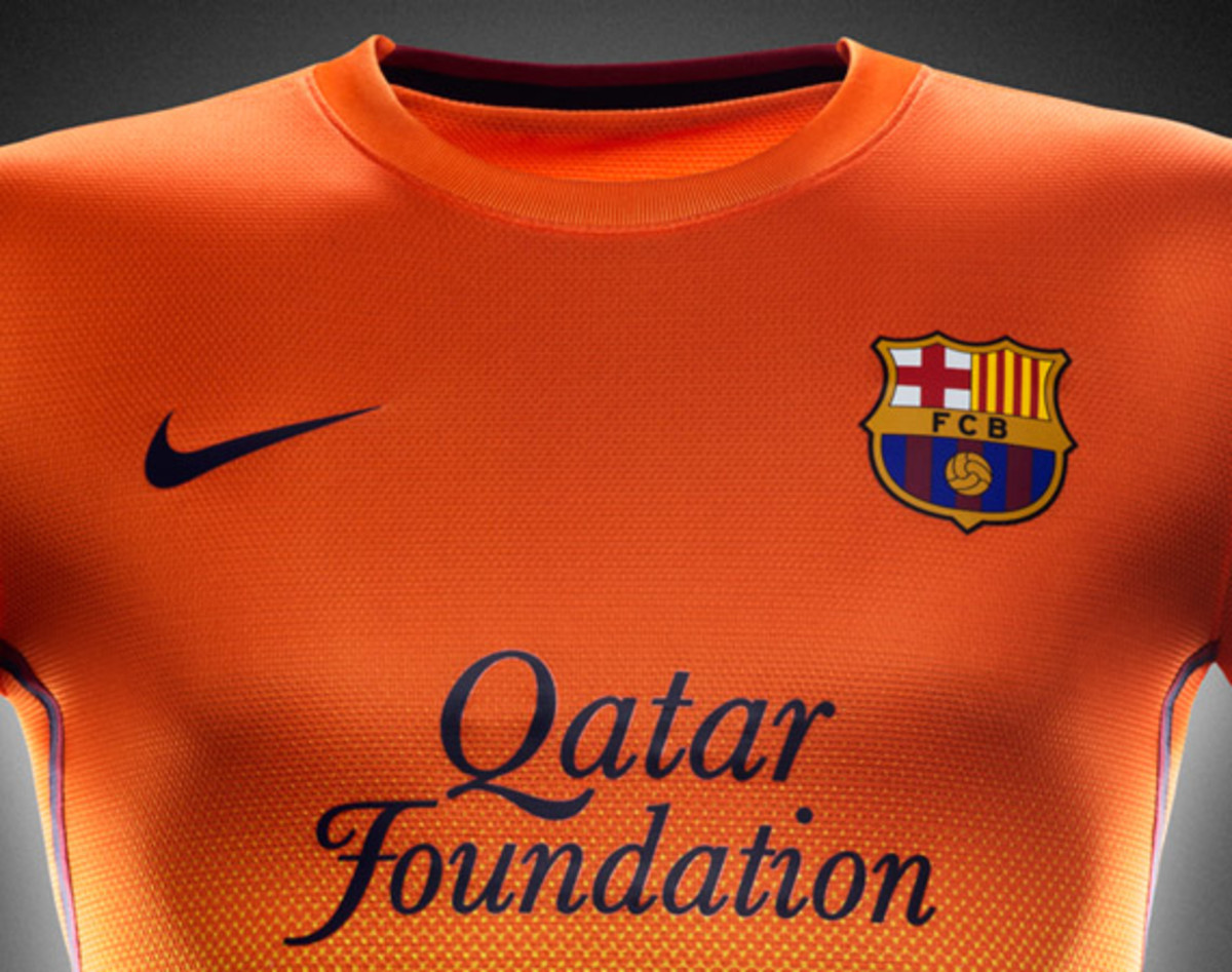 nike-football-fc-barcelona-home-away-kit-2012-2013-11