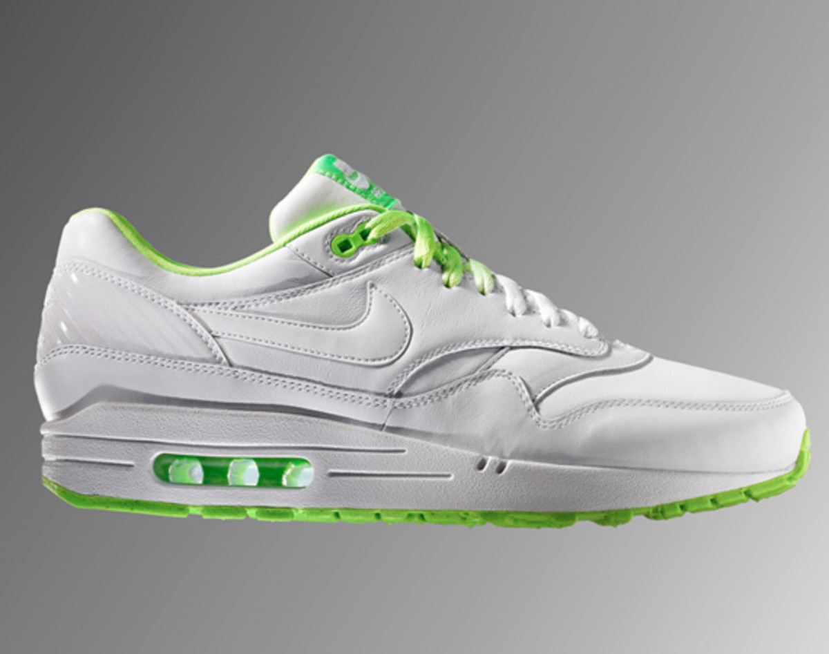 nike-air-max-90-summer-football-collection-01