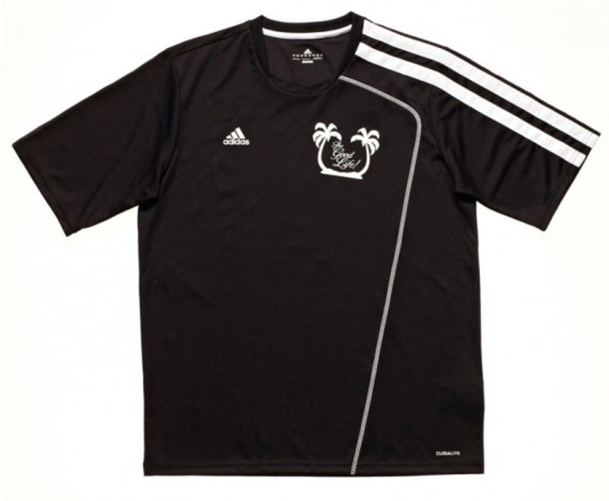adidas-fanatic-xi-soccer-tournament-2012-team-jersey-kits-02