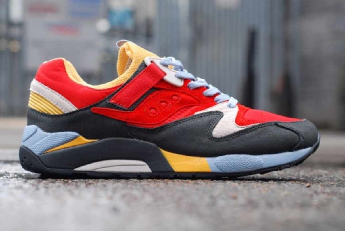 packer-shoes-saucony-grid-9000-tech-pack-04