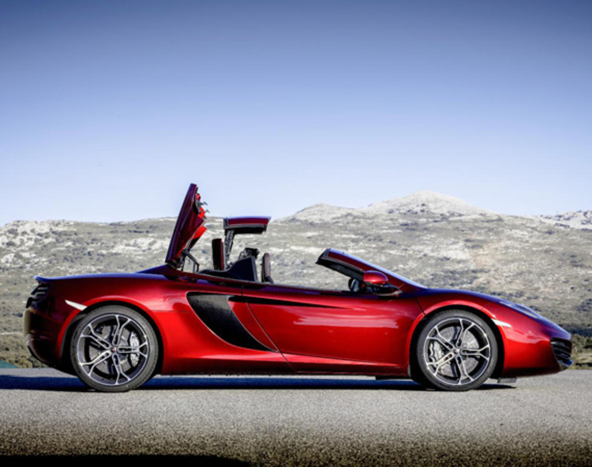 McLaren MP4 12C Spider with Retractable Hard Top   Officially Unveiled