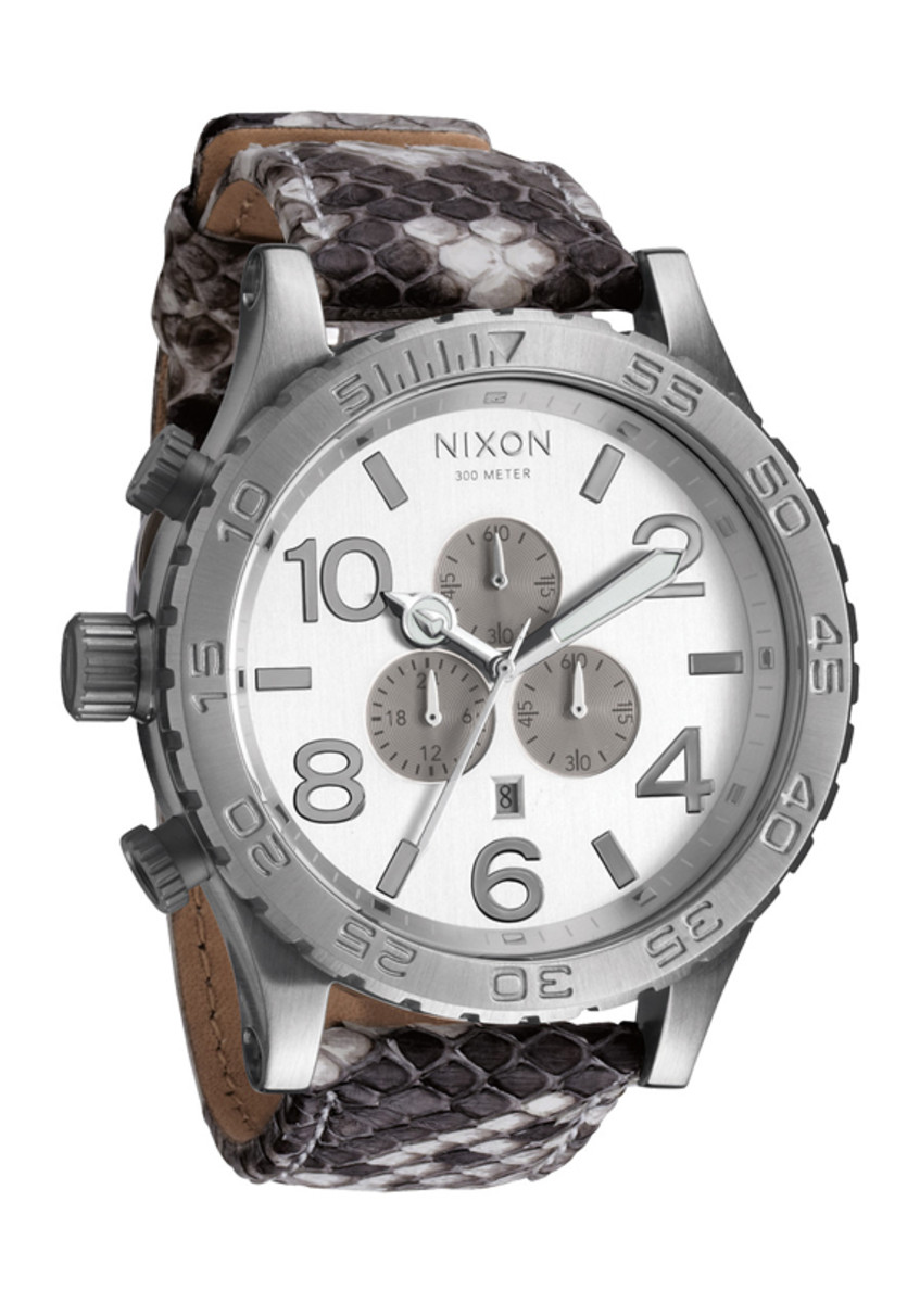 nixon-51-30-chrono-leather-white-snake-01
