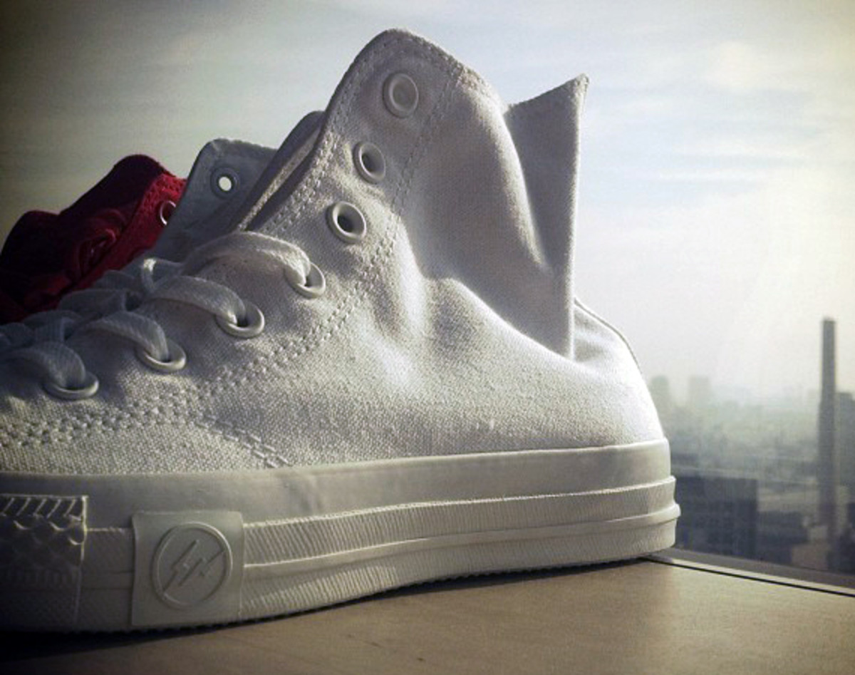 undftd-fragment-design-converse-all-star-white-out-00