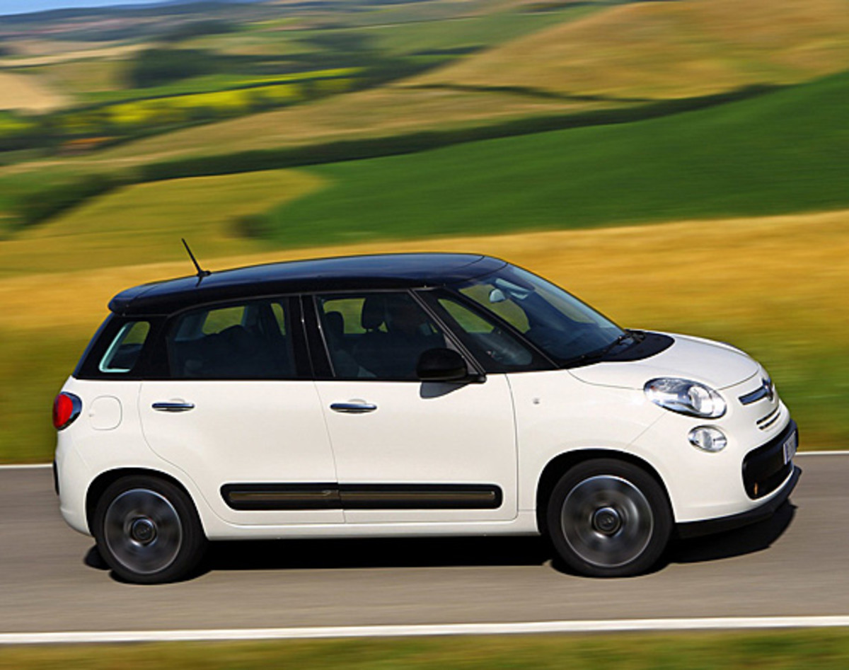 fiat-500l-officially-unveiled-01