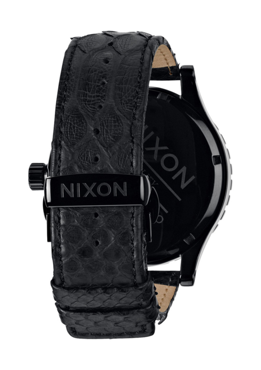 nixon-51-30-chrono-leather-black-snake-03