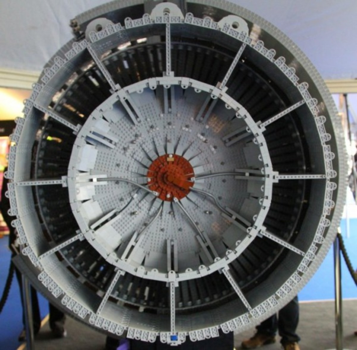 rolls-royce-lego-jet-engine-16