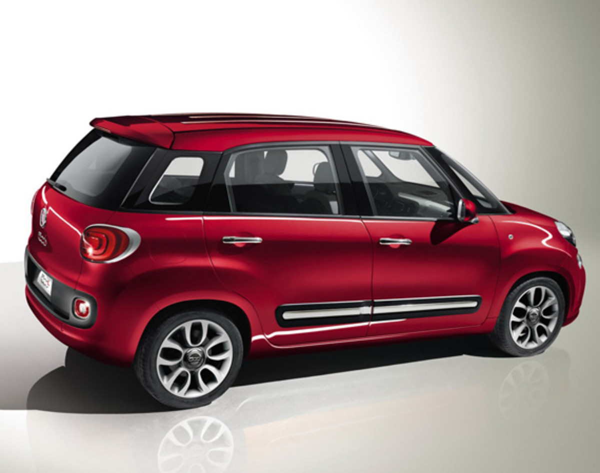 fiat-500l-officially-unveiled-33