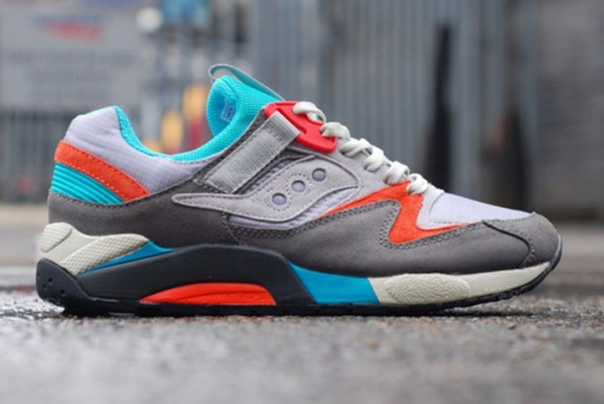 packer-shoes-saucony-grid-9000-tech-pack-03