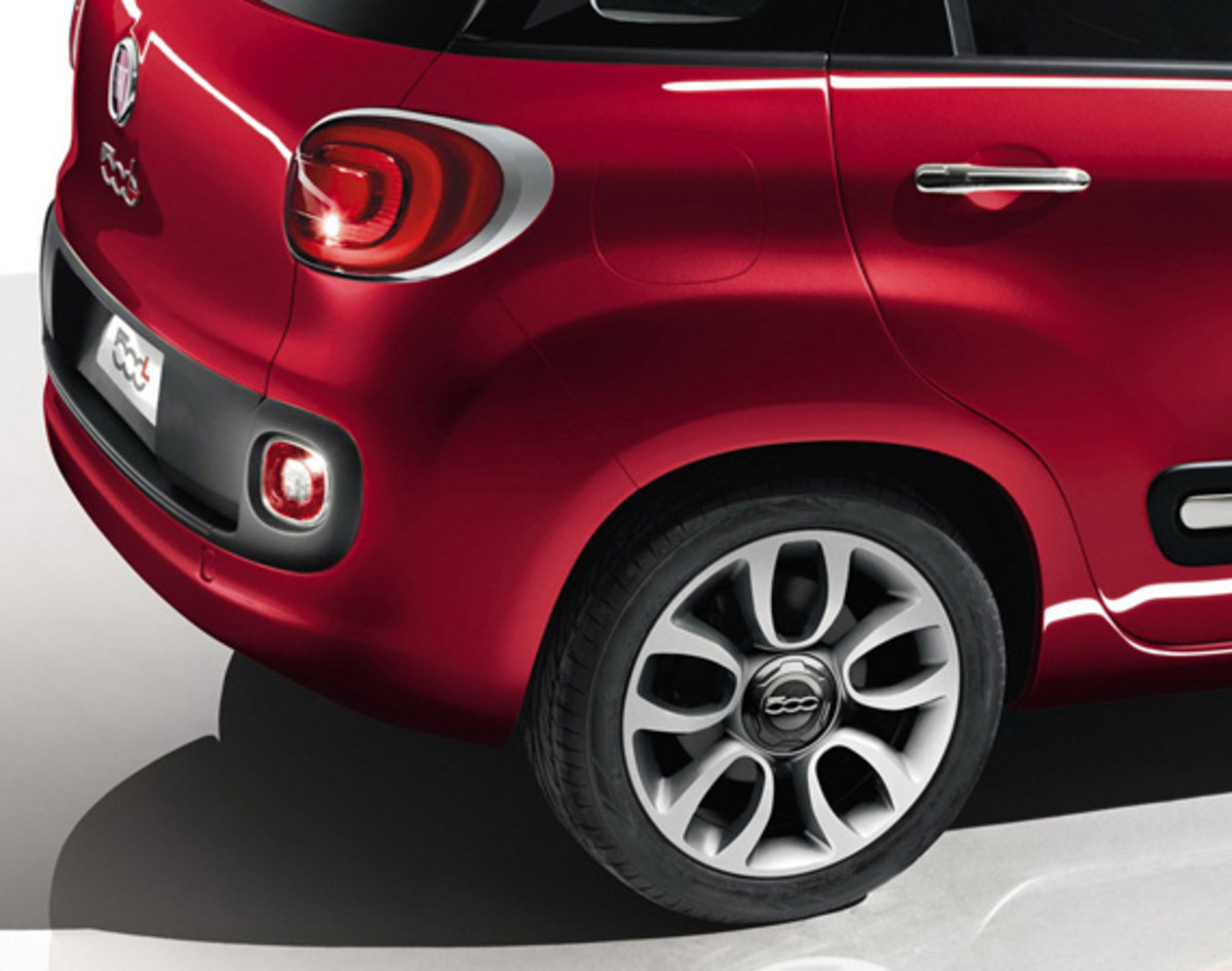 fiat-500l-officially-unveiled-37