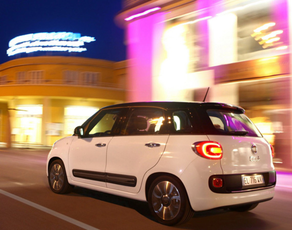 fiat-500l-officially-unveiled-10