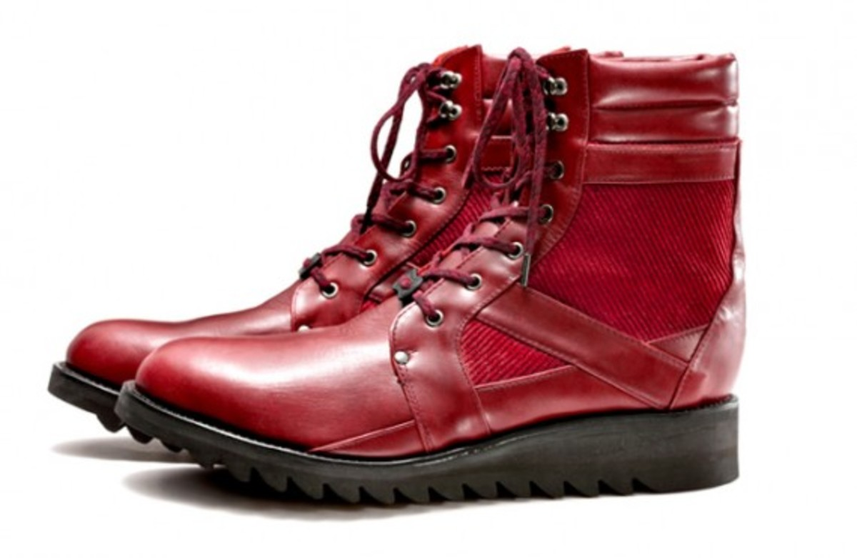 white-mountaineering-fall-winter-2012-footwear-collection-07