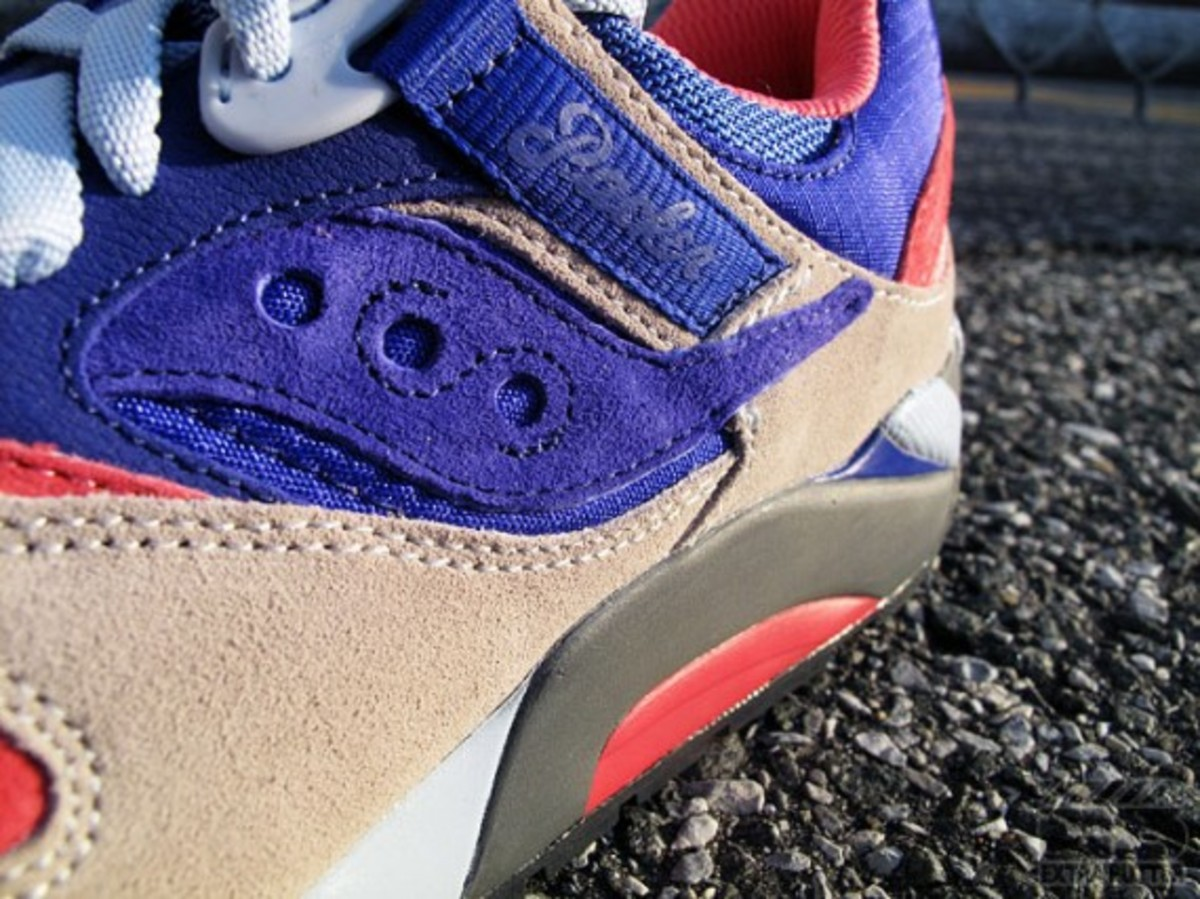 packer-shoes-saucony-grid-9000-tech-pack-10