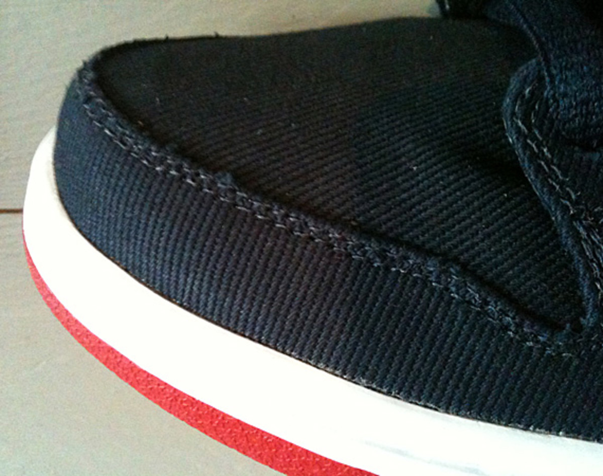 levis-nike-sb-dunk-low-olympic-03