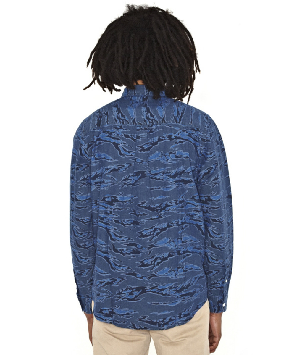 stussy-camo-chambray-shirt-05