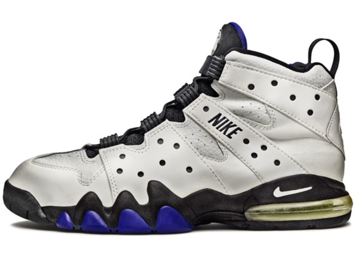 nike-basketball-1992-2012-air-max2-cb-02