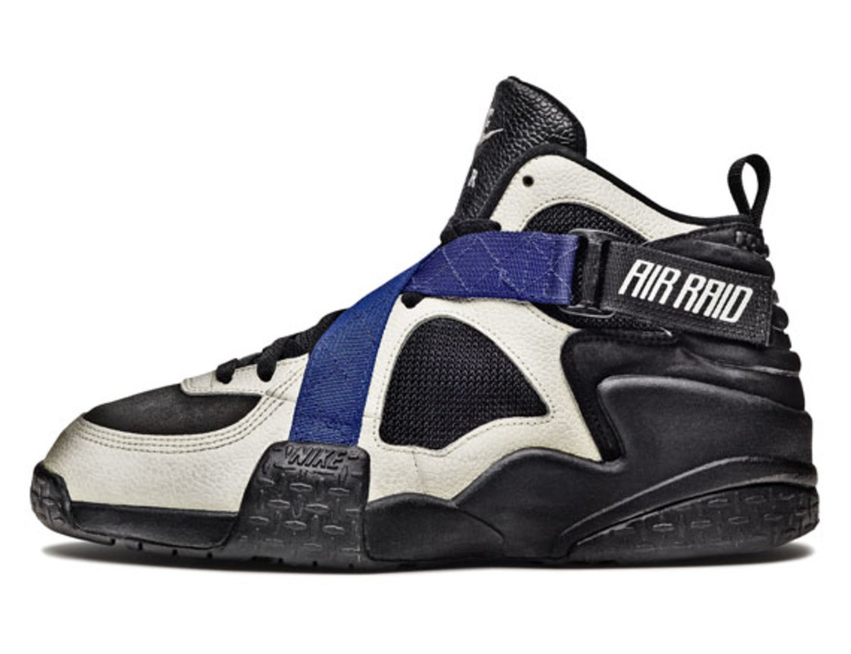 nike-basketball-1992-2012-air-raid-03