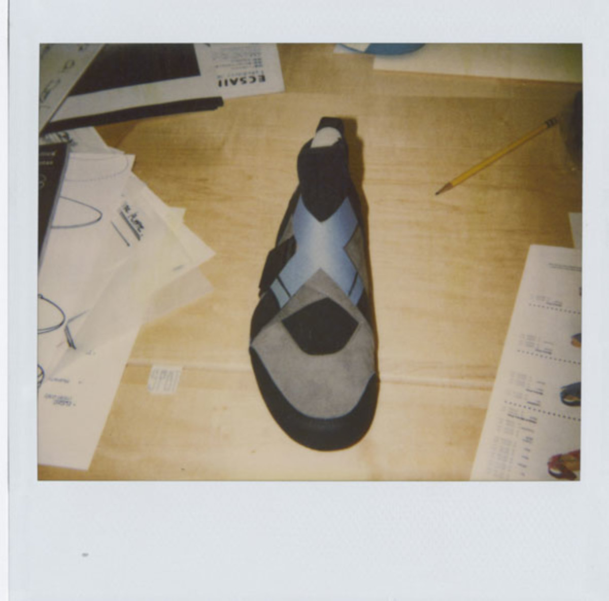nike-basketball-1992-2012-air-raid-18