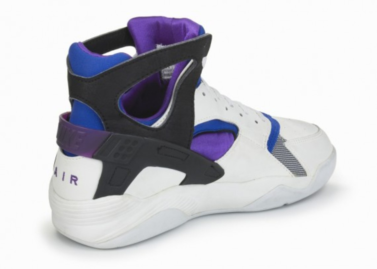 9cf93d50d167 official nike air huarache flight fa289 1b468  italy advertisement b54a7  becf3