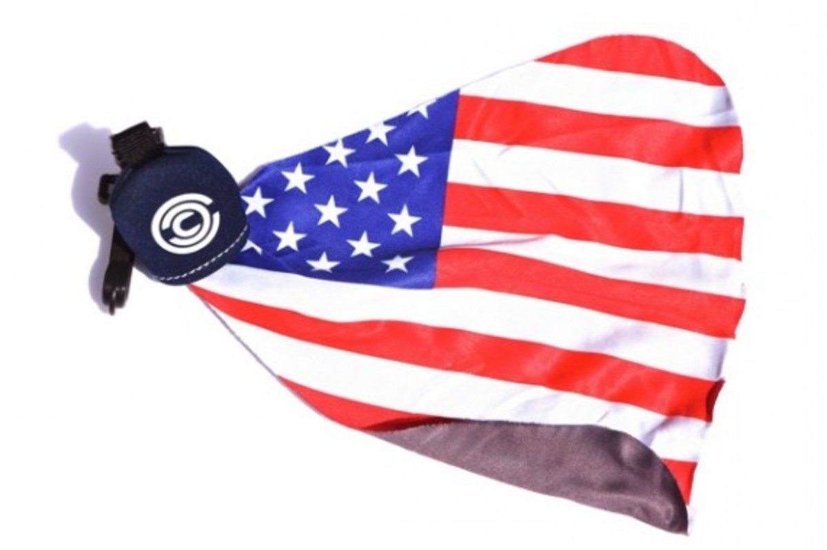 chari-and-co-american-flag-lens-cleaner-04