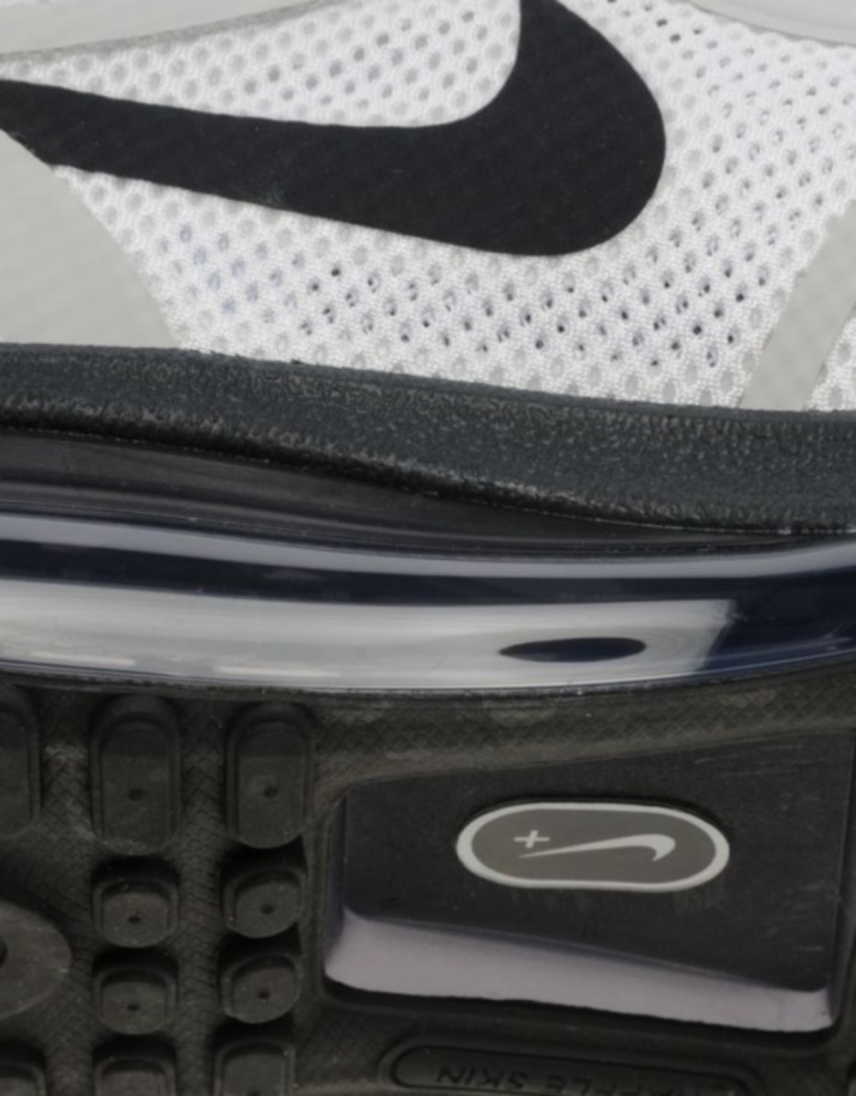 nike-air-max-1-2013-home-turf-collection-london-04