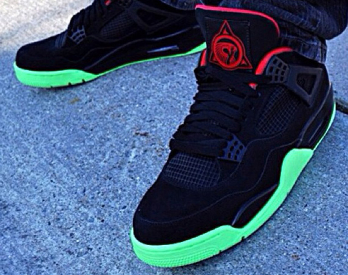 Many have tried but few succeeded in their quests to recreate the Nike Air  Yeezy 2 silhouette on other Nike designs. Believe it or not one of crucial  ... 634ca8339