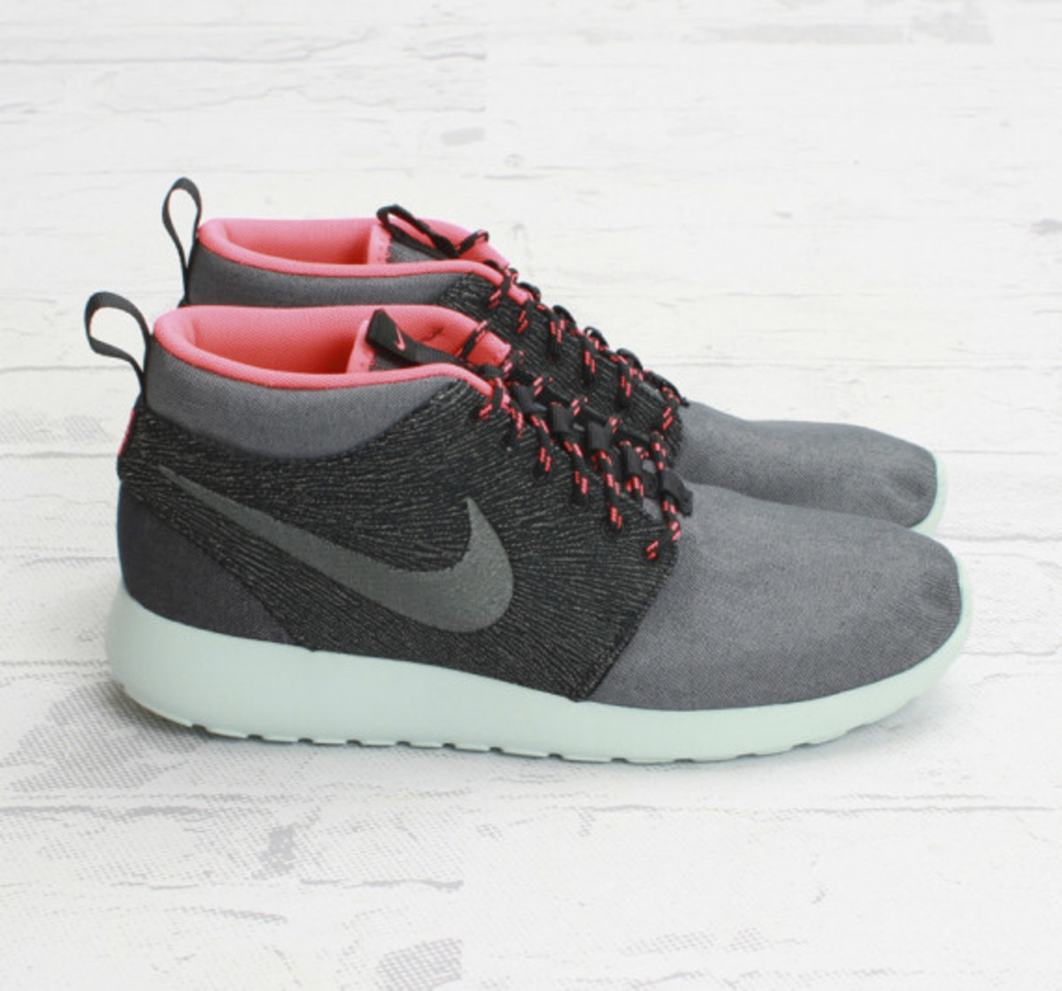 nike-roshe-run-mid-city-pack-585898-333-tokyo-concepts-boston-05