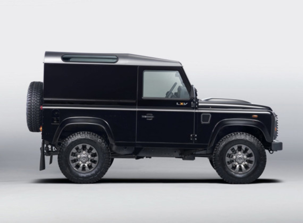 land-rover-65th-anniversary-defender-lxv-edition-02