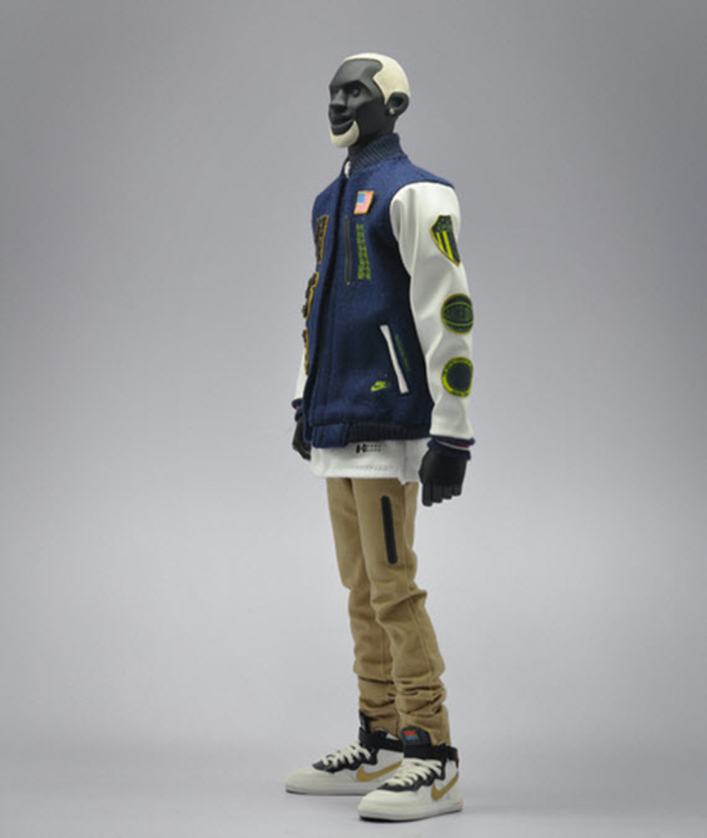 nike-sportswear-x-coolrain-relive-the-dream-dream-team-figures-9