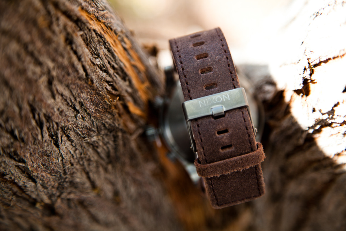 nixon-51-30-gunmetal-brown-4