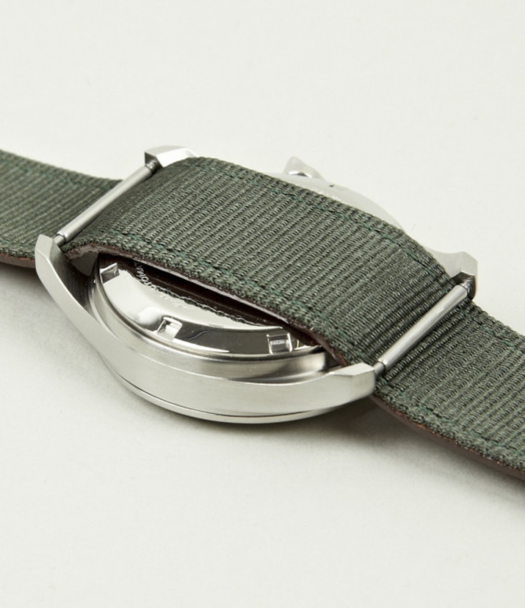 miansai-m1-green-ribbon-tan-leather-strap-watch-05