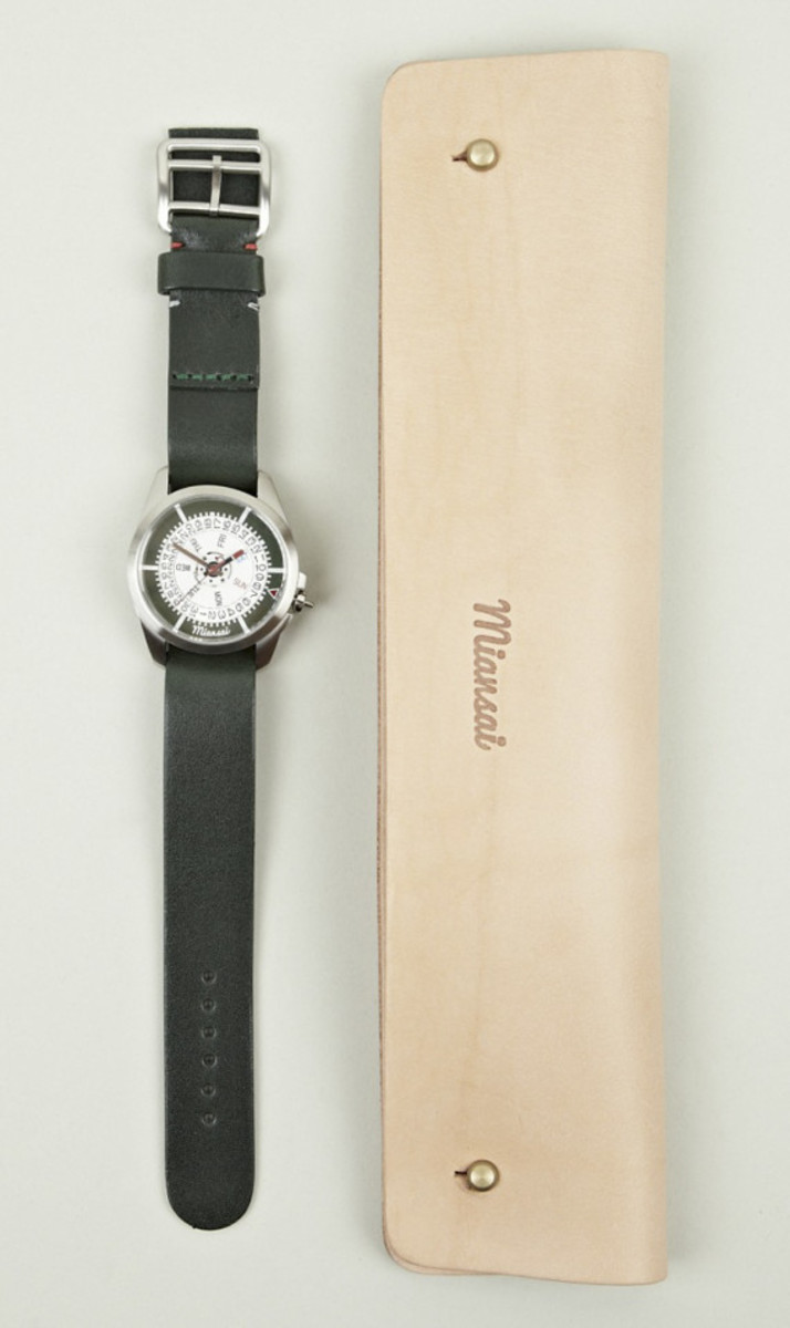 miansai-m1-green-leather-strap-watch-06