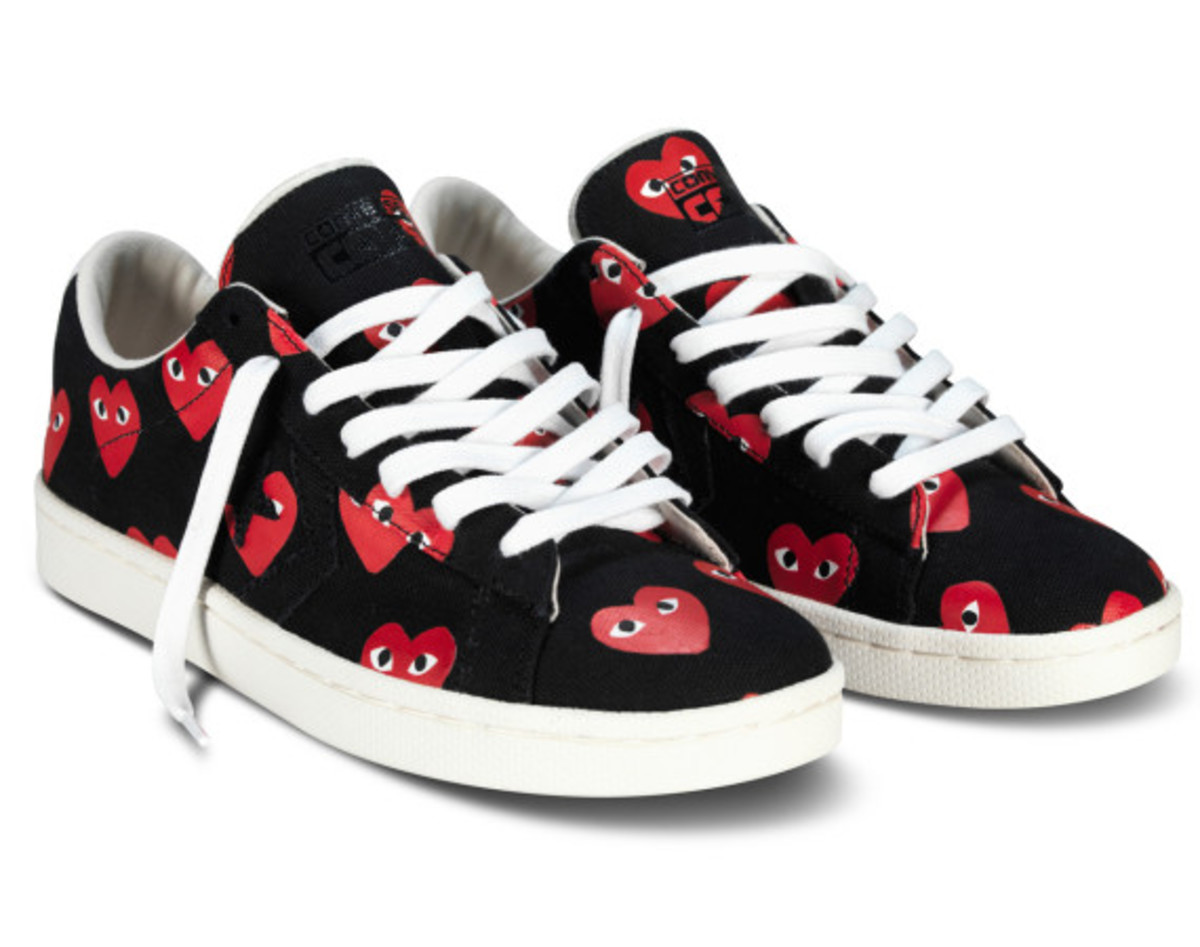 comme-des-garcons-play-x-converse-pro-leather-ox-01